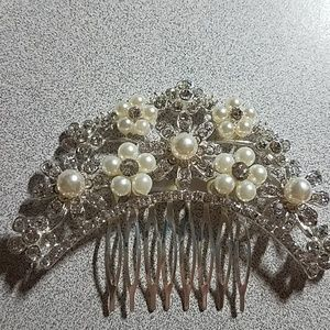 Accessories - Bridal wedding Hairpiece Comb